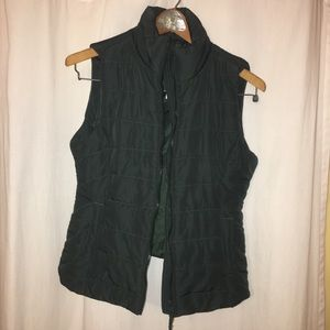 Hunter green Aeropostale vest. New with tags!!